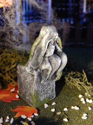 Halloween mini TOMBSTONE, Sitting & cry on cemetery, for Dept 56, Lemax VILLAGE