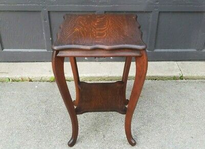 Antique Quarter Sawn Tiger Oak Scalloped Top Side Table plant stand c1915