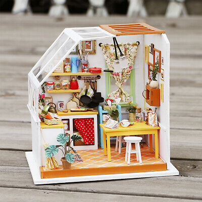 Robotime DIY Wooden Miniature Room Doll House 1:24 Crafts Toy for Girls Children