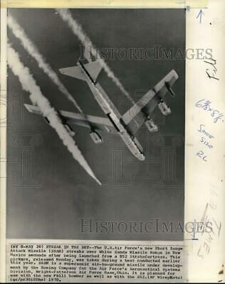 1970 Press Photo Boeing B52 bomber plane launches Short Range Attack Missile, NM