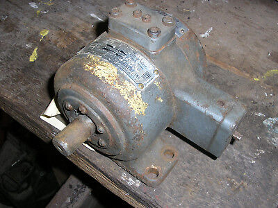 Vickers Racine Hydraulics Model O hydraulic motor - 1000psi 3/4in shaft