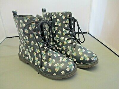Black Boots w Flowers Girls Old Navy Size 2 Lace up Side Zipper Back to School