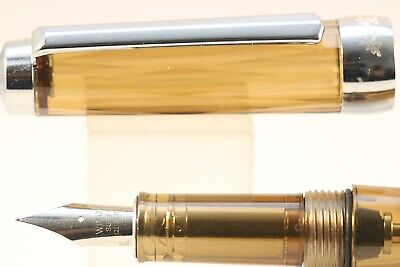 Wing Sung No. 3013 Transparent Brown Vacumatic Fine Fountain Pen, CT