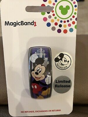 Disney Parks Mickey Mouse Annual Passholder 2019 MagicBand Magic Band In Hand