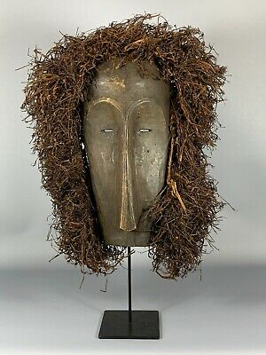 180110 - Old & Tribal used African Fang mask with Raffia - Gabon.