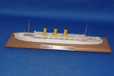 J G Cottrell Gb Passenger Ship 'Rms Empress Of Russia' 1/1200 Model Ship