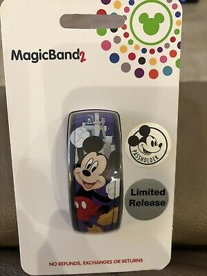 Disney Parks Mickey Mouse Annual Passholder 2019 MagicBand Limited Release