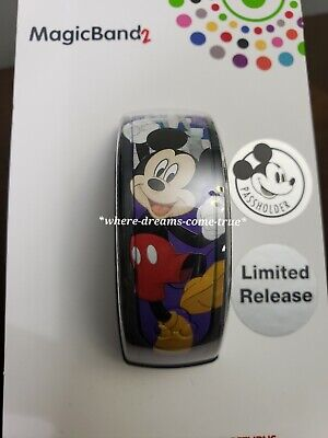 Disney Parks Mickey Mouse Annual Passholder 2019 MagicBand Magic Band 2 (NEW)