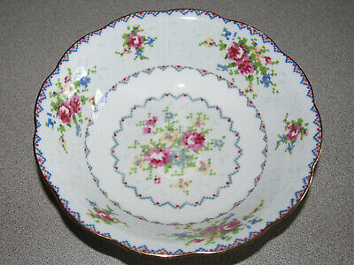 Royal Albert - England - Bone China - Petit Point - Cereal Bowl - 6 1/4""