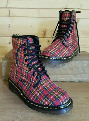 Dr Martens Stunning Tartan 8 X Hole Boots,Uk 4,Made In England ,Brand New