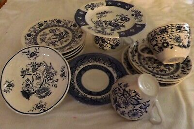 Nice Lot of 14 Mixed Vintage Pattern Tea Cups & Saucers in Blue & White #MM001