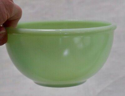 Vintage Green Jadeite 4.75 in. Bowl 1940's Fire King Oven Ware #14, rimmed edge