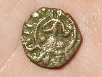 Medieval Looking period Unidentified Bronze Byzantine Coin 19mm * CLEANED *#Q104
