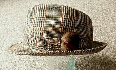 73e4e76d2 SOFT SHIRE TRILBY HAT by Marks and Spencers PURE NEW WOOL made in UK ...