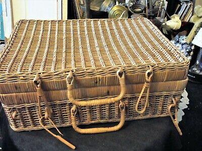 "Genuine Vintage Wicker Hamper Picnic Basket Unusual Weave 16"" X 11"" X 5"""
