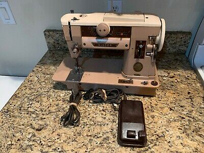 Vintage SINGER Sewing Machine Model 401A