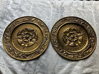 VINTAGE PEERAGE BRASS WALL FLOWER PLAQUES / PLATES - SET of TWO 14 1/2'' ENGLAND