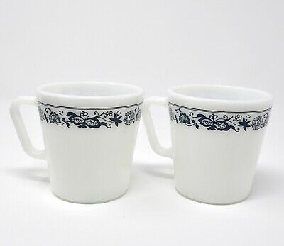 2 Vintage Pyrex Milk Glass Old Town Blue Onion 1410 Coffee/Tea Cups Mugs Corning
