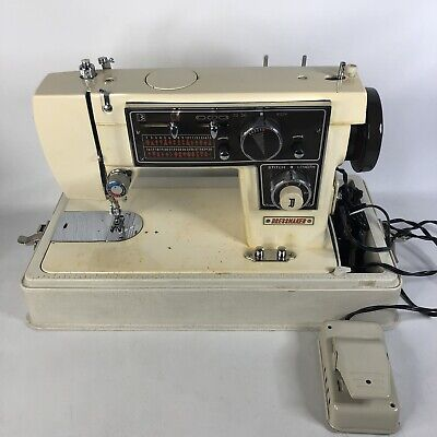 Vintage Dressmaker De Luxe Zig-Zag S-3000 AAA Sewing Machine TESTED WORKING