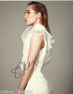 Suki Waterhouse Autographed Signed 8x10 Photo COA