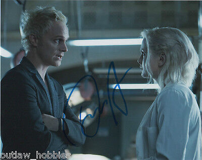 David Anders iZombie Autographed Signed 8x10 Photo COA B