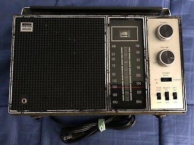 Vintage Montgomery Ward GEN-1392A Portable AM/FM Airline Radio - Leather Wrapped
