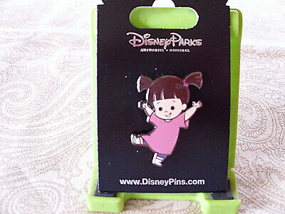 Disney * BOO - PINK NIGHTSHIRT - Monsters Inc * New on Card Trading Pin
