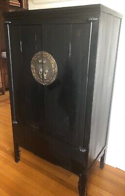 Antique Chinese cabinet, black lacquer (55hx31wx18d). Very good condition