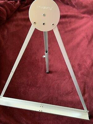 Rowney folding metal table easel/display stand