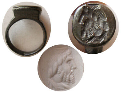 PCW-AN445-ROMAN EMPIRE. Ca. 2nd.-3rd. Century AD. Bronze Seal Ring.