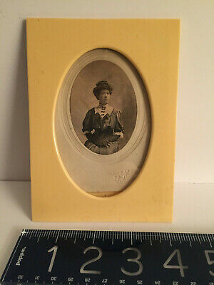 """ANTIQUE L19th-E 20th c Celluloid """"Ivory color"""" PHOTO FRAME+ 19thc Lady w/gloves"""
