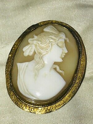 Beautiful Antique Victorian 9CT Gold Carved Shell Large Cameo Brooch Pin