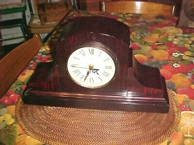 Ingraham Antique Mantle Clock Faux Painted Flame Mahogany finish 1990's movement