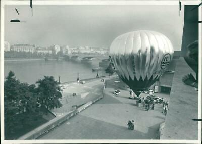 Balloon Innovation - Vintage photo