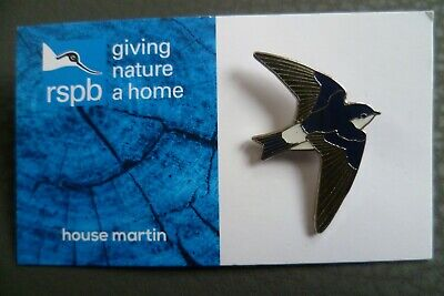 01513 RSPB Pin Badgehouse sparrow GNAH BLUE