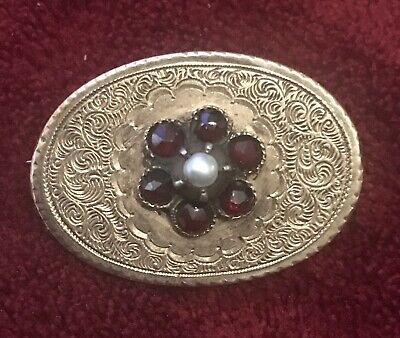 Victorian Antique Brooch Pin 9k Garnet Pearl middle C Clasp Weighs 5.7 grams