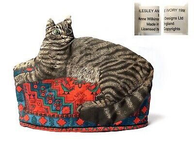 Vintage 1990 ANNE WILKINSON TABBY CAT IN BASKET TEA COSY