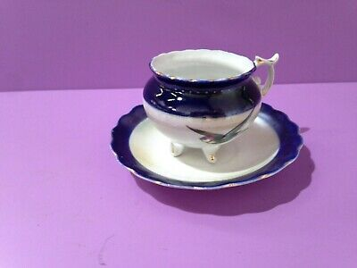 Small Delicate China Teacup With Four Feet, Plus Saucer (B38/08)