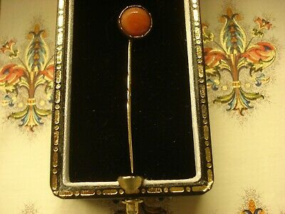 Finely Crafted Antique Victorian: 9CT Yellow Gold Coral Gemstone Set Lapel Pin