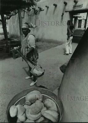 1974 Press Photo Mrs. Granillo makes Indian bread to sell at Tigua reservation