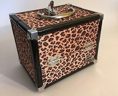 Beautiful Leopard Pattern Make Up Carry Case with Keys! /  Great condition!