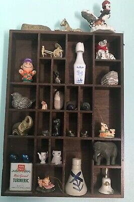 "Vintage 25 Slots Wood Knick Knack Wall Display Shelf w/ Walnut Finish 12"" X 16.5"