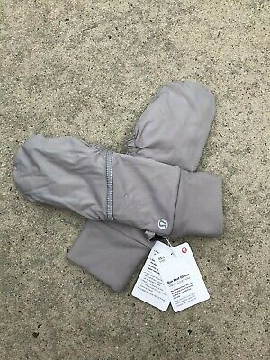 LULULEMON Run Fast Gloves Women's Gloves Color Silver NEW w/Tags $38