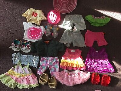 Huge Bundle Of Build A Bear Outfits and Shoes.  Skates and Helmet!  Free Postage