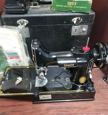 Singer Feather Weight Portable 221