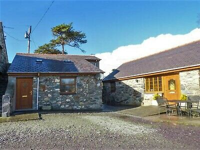 7 Nights in a Romantic Studio Cottage in North Wales Saturday 2nd November 2019