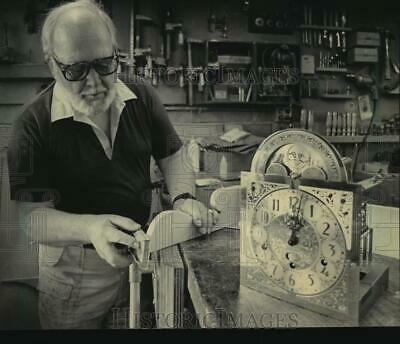 1984 Press Photo Bert Bohlin Shaped a Piece of Wood For a Clock Cabinet