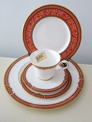ROYAL DOULTON MERIDIAN 5 pc PLACE SETTING DINNER SALAD BREAD plate teacup saucer