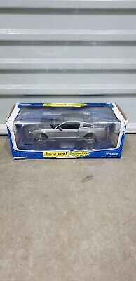 1 18 Greenlight 2010 Ford Mustang Shelby GT 500 in Grey