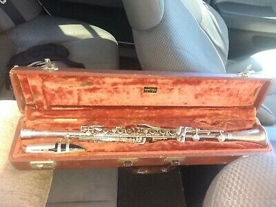 Vintage  Clarinet Three Star Trademark Model w/ Mouthpiece and Case
